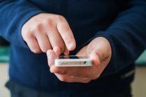 Confirmada justa causa por uso excessivo de celular no trabalho